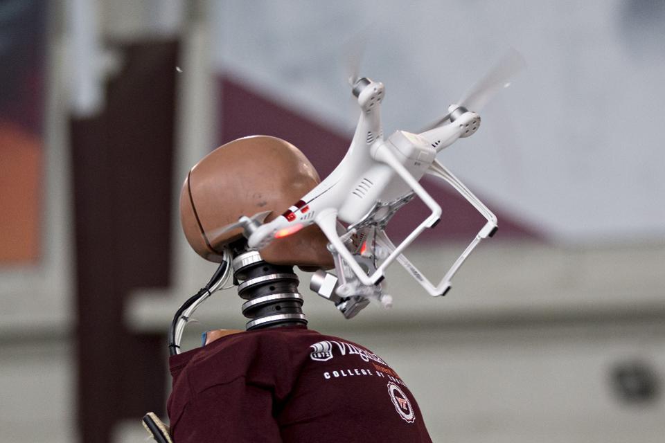 「drone  hurt」の画像検索結果